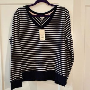 Horizontal navy and white stripped sweater